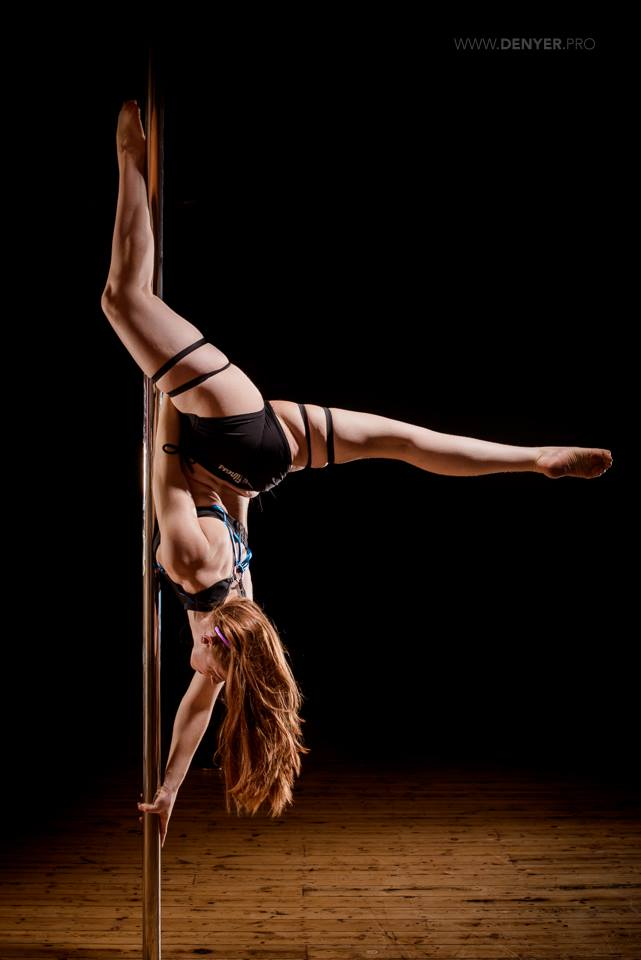 Pole dance leicester pole fitness leicester photoshoot photographer fitness